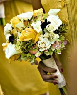 wedding flower bouquet, bridal bouquet, wedding flowers, add pic source on comment and we will update it. www.myfloweraffai... can create this beautiful wedding flower look.