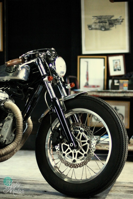 Visual vintage motorcycle feast ~ Return of the Cafe Racers
