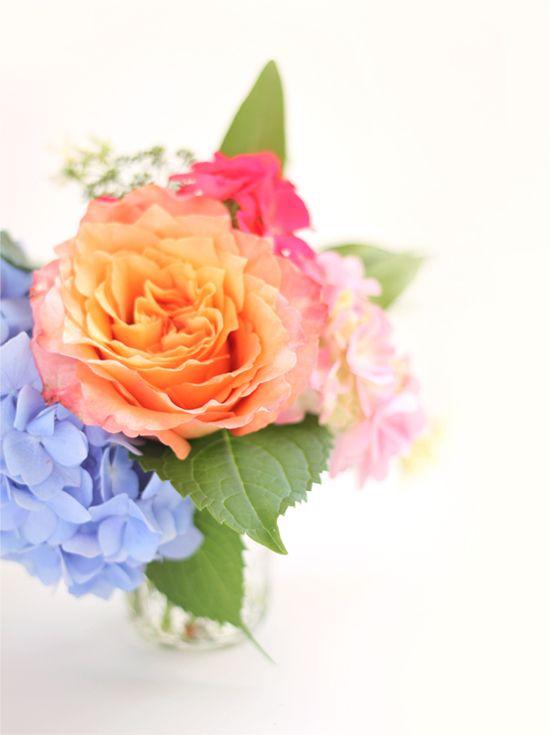 5 minute backyard flower arrangement