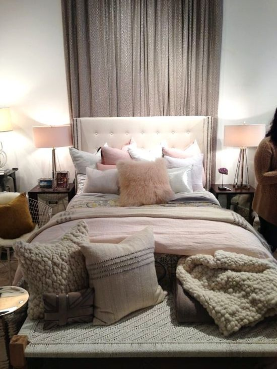 Romantic bedding to fall in #love with... #home #decor