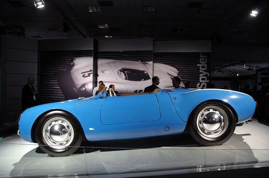 Porsche 550 #luxury sports cars #ferrari vs lamborghini #celebritys sport cars #customized cars #sport cars