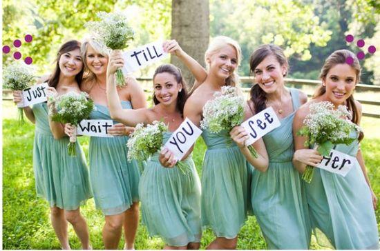 Cool. Ein bisschen schade ist das schon, dass wir in Deutschland keine Brautjungfern mit gleichen Kleidern haben :D