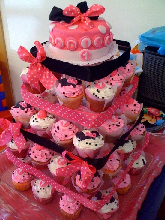 Disney Minnie Mouse Birthday Cake and Cupcakes