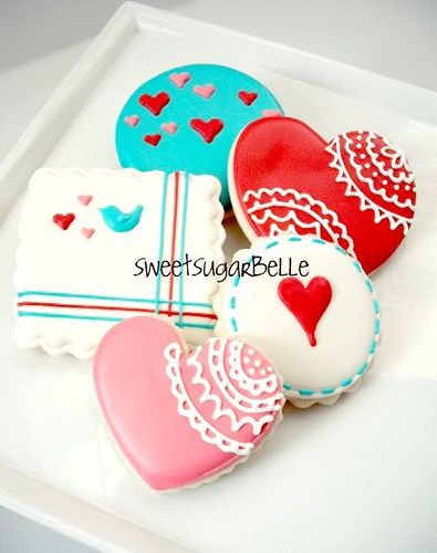 Valentines cookies. love the doily detailing