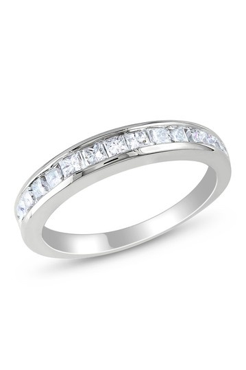 This was the first ring I ever bought myself!  You don't need a man to buy you diamonds!