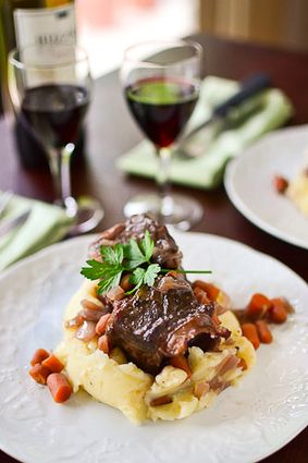 Braised Short Ribs - #foodie #foodporn #recipe #cooking #recipes #MyBSisBoss