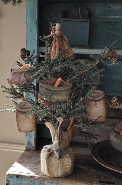 .Primitive Christmas tree