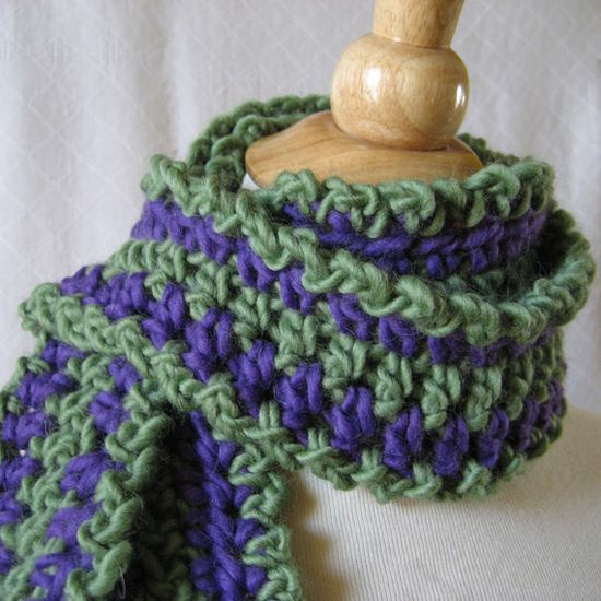 Fast Easy Crochet Scarf Pattern - Round the Loop Roving by KnittingGuru