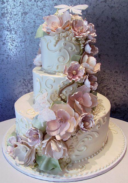 Rosebud Cakes  Looks like porcelain!kp