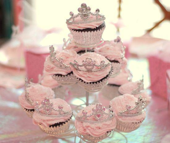princess cupcake tower from blog.jcooperphoto...