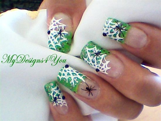 Halloween Spiderwebs Nail Art Design