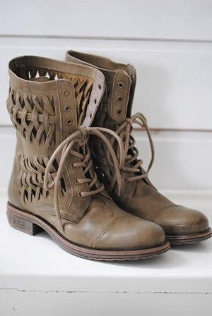 Love the detail of these woven lace up boots