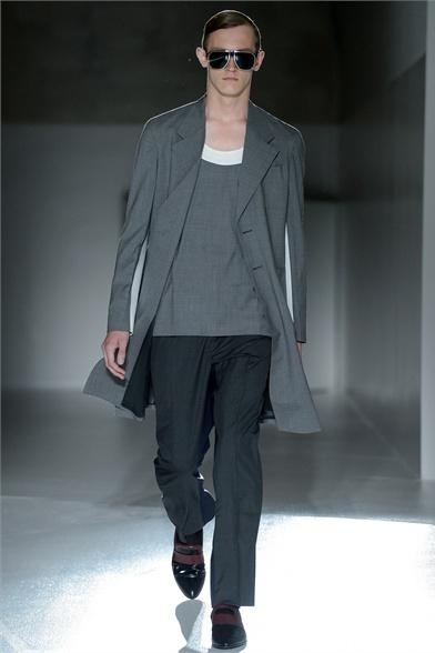 Sfilata Prada Milano Moda Uomo Primavera Estate 2013 - Vogue