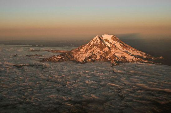 Mt. Ranier, Washington (I so miss the Pacific Northwest!!!).