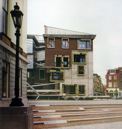Extension to Utrecht Townhall by EMBT Combination of modern architectural ideas with historical elements.