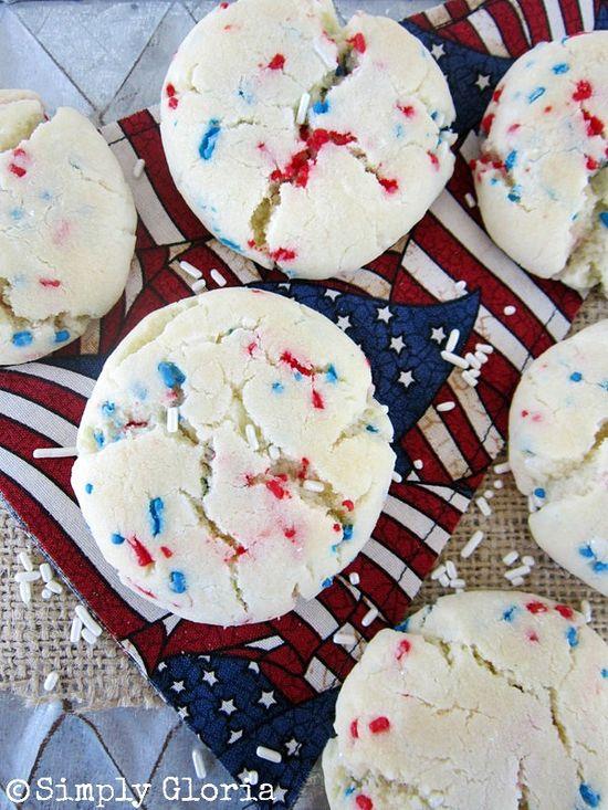 July 4th Sprinkle Cookies - SimplyGloria.com #cookies
