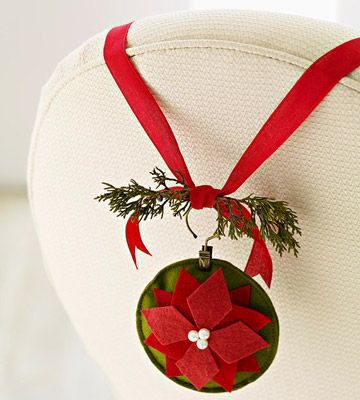 Christmas Crafts and Decorations made from felt