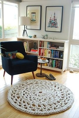 Look at that amazing crochet rug. How would I go about doing something like that?!