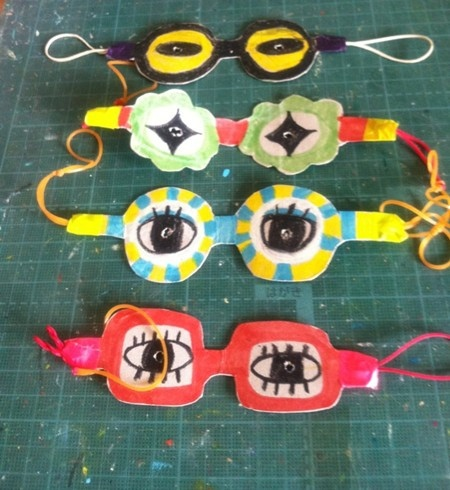 Art Club! spectacle masks - what a fun project! love the new take on art eyes lesson I've done on the past. ALot easier then cutting out the inside of the glasses.