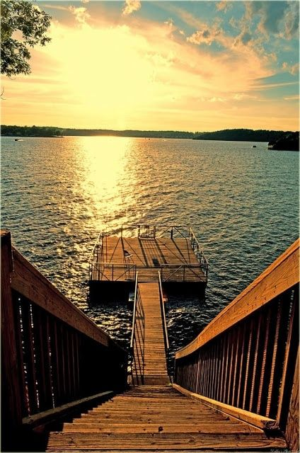So if our dream house does end up on the lake, I think the dock should be like this.
