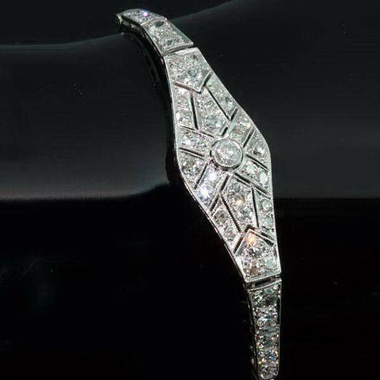 Charming platinum Art Deco diamond bracelet