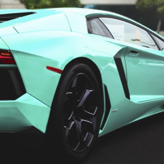 Cool  blue lambo! sweet!@reesie lohan