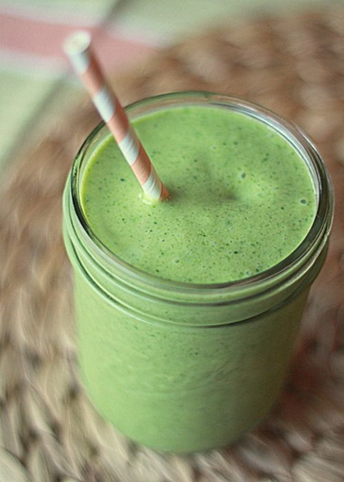 busy girl breakfast idea: green smoothie