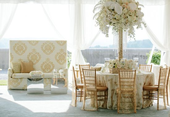 White & Gold Reception  // Photo: Allan Zepeda