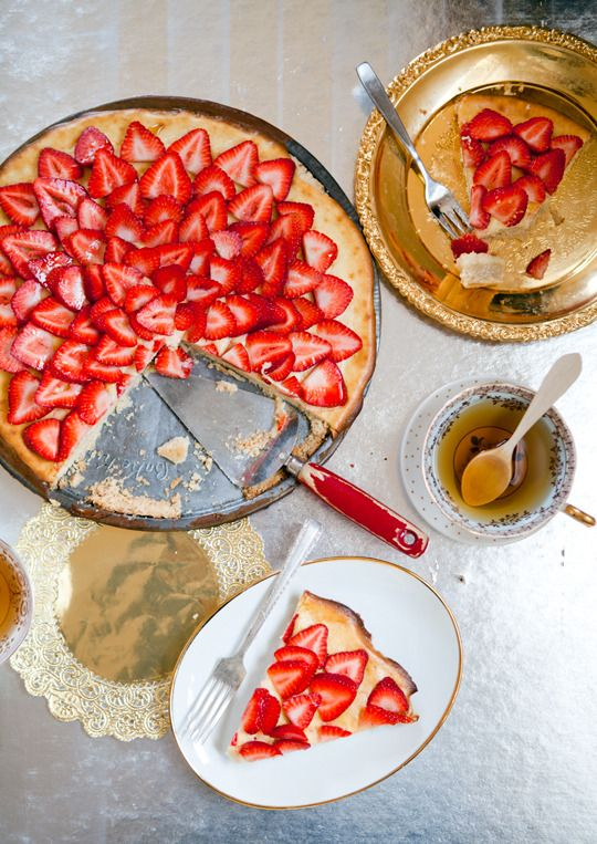 Fresh strawberry dessert pizza