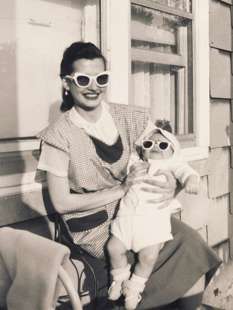Awesomely cute pair of sunglass wearing 1950's gals. #vintage #sunglasses #1950s #fifties