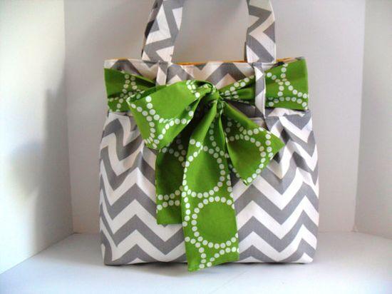 I LOVE this bag, it's SO cute!