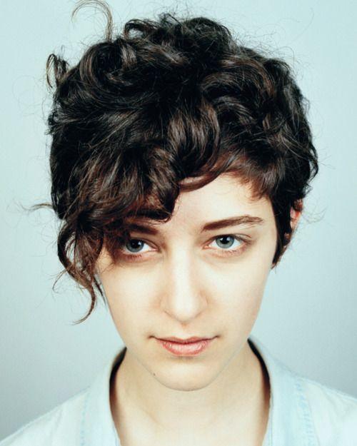 Gorgeous curly short cut.