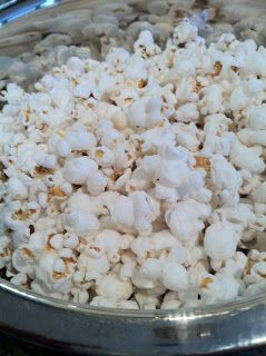Perfect Nourishment: Coconut Oil & Sea Salt Popcorn