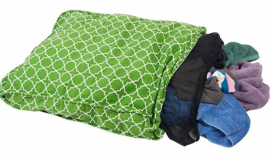DIY pet bed - use a zippered pillow case, add a mesh laundry bag full of socks, old shirts or towels and you have a pet bed! take out the pouch of soft 'stuffing' for easy wash/dry and re-stuff.