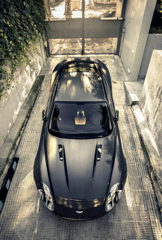 Mesmerising Aston Martin DB9