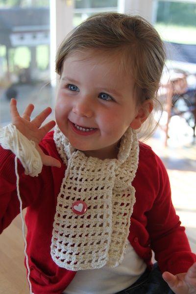 simple crochet scarf, chain 3, treble, chain 3 etc...