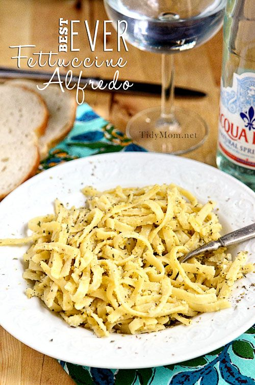 The best ever Fettuccine Alfredo #recipe at TidyMom.net - must try!