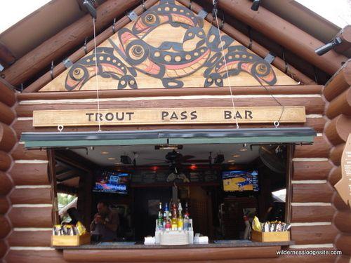 Disney Wilderness Lodge: Trout Pass Pool Bar
