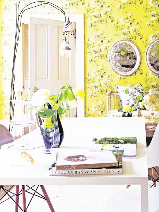 Yellow Love  #wallpaper #yellow #desk #interiors #decor #white #office