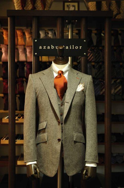 Slick suit.