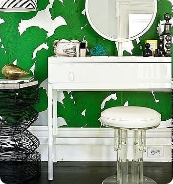 Suzy Hoodless for Osborne and Little, Davidia. Oh, wallpaper with a major 70's vibe, please get in my bathroom!
