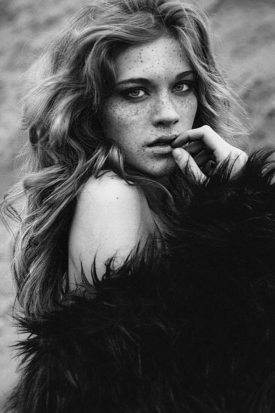 HOHB BEAUTY > we love freckles! #natural #beauty #aussie #skin #freshface #hohb #headingout #inspiration > Fashion photography by Lina Tesch