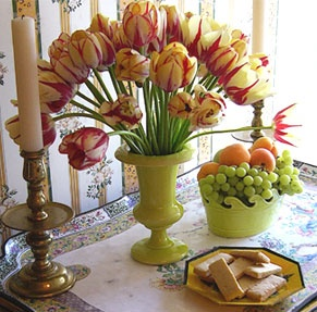 Carolyn Roehm - Guest Room Tulips