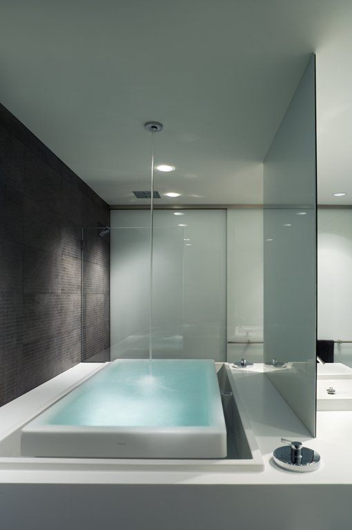 bathtub with overflow