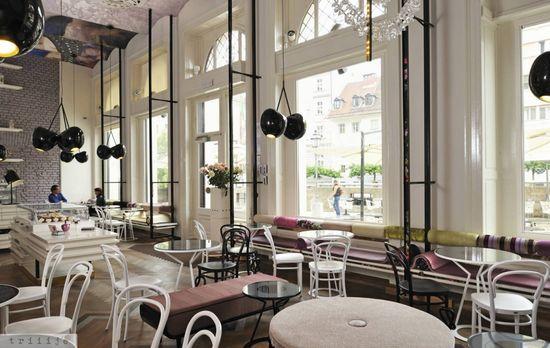 Lolita café / by Trije Arhitekti & Jagoda Jejcic / photo by Jagoda Jej?i?