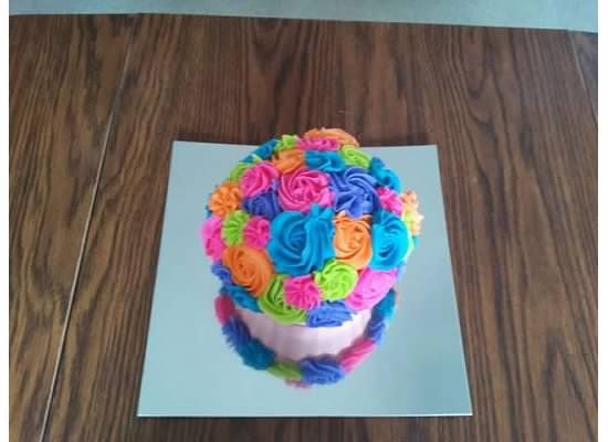 Giant cupcake with colored roses