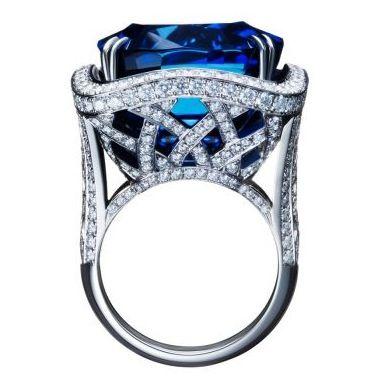 66 carat sapphire Asprey ring