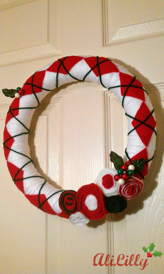 Argyle Christmas Yarn Wreath with Felt Rosettes