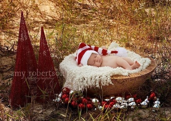 cute Christmas newborn photo.