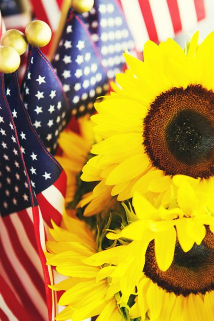 American flags and sunflowers. Happy Independence Day!